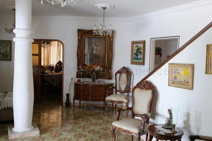 Casa Distrito Metropolitano>Caracas>Las Palmas - Venta:350.000 Precio Referencial - codigo: 21-16950