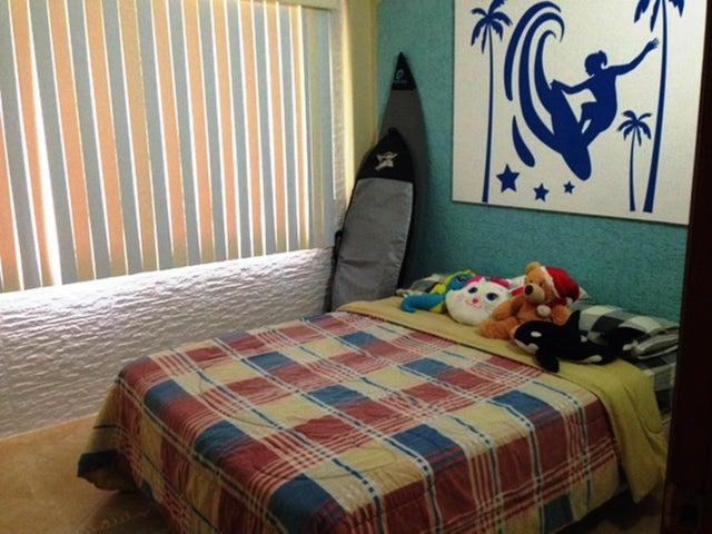 Casa Miranda>Higuerote>Puerto Encantado - Venta:210.000 Precio Referencial - codigo: 21-16957