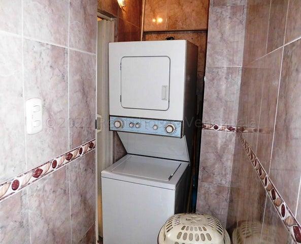 Apartamento Distrito Metropolitano>Caracas>Parroquia Altagracia - Venta:18.000 Precio Referencial - codigo: 21-16965