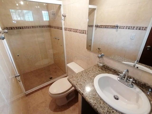 Casa Lara>Barquisimeto>Zona Este - Venta:70.000 Precio Referencial - codigo: 21-16973