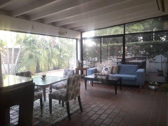Townhouse Zulia>Maracaibo>Lago Mar Beach - Venta:120.000 Precio Referencial - codigo: 21-16981