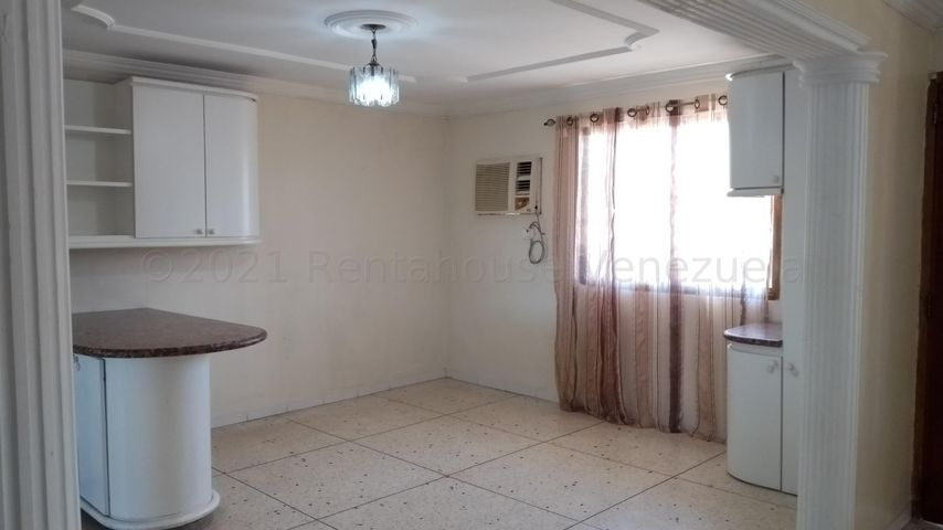 Apartamento Zulia>Maracaibo>La Limpia - Alquiler:150 Precio Referencial - codigo: 21-16989
