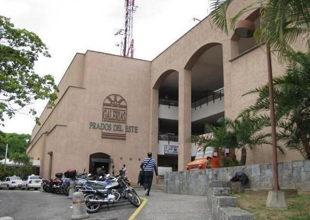 Local Comercial Distrito Metropolitano>Caracas>Prados del Este - Venta:90.000 Precio Referencial - codigo: 21-16990