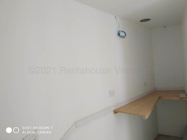 Oficina Aragua>Maracay>Avenida 19 de Abril - Venta:22.000 Precio Referencial - codigo: 21-17011