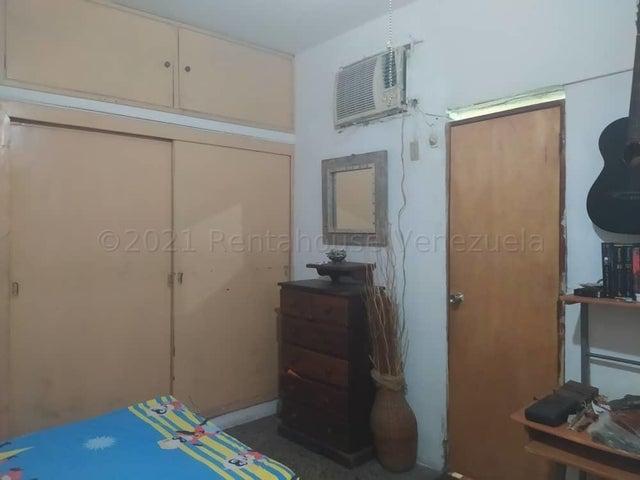 Casa Falcon>Punto Fijo>Puerta Maraven - Venta:30.000 Precio Referencial - codigo: 21-17012