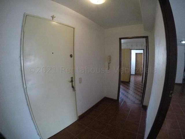 Apartamento Distrito Metropolitano>Caracas>La Urbina - Venta:45.000 Precio Referencial - codigo: 21-19204
