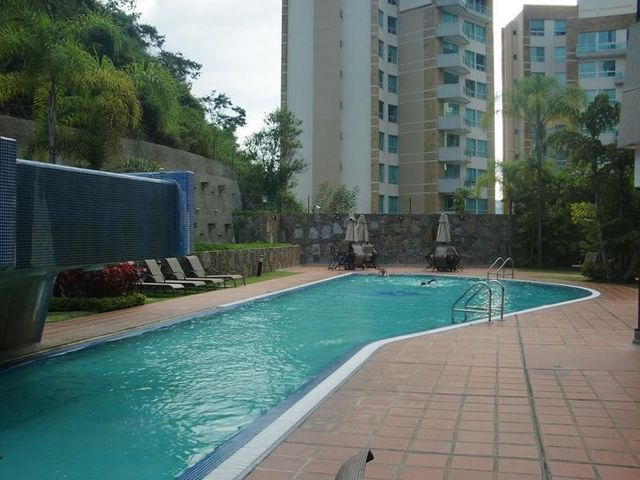 Apartamento Distrito Metropolitano>Caracas>Las Mesetas de Santa Rosa de Lima - Venta:180.000 Precio Referencial - codigo: 21-17043