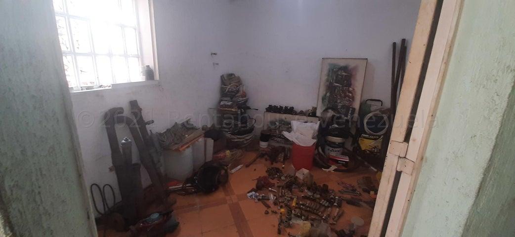 Casa Distrito Metropolitano>Caracas>El Paraiso - Venta:180.000 Precio Referencial - codigo: 21-17145