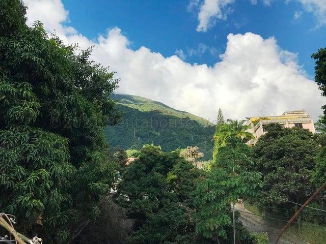 Casa Distrito Metropolitano>Caracas>Los Palos Grandes - Venta:400.000 Precio Referencial - codigo: 21-17405