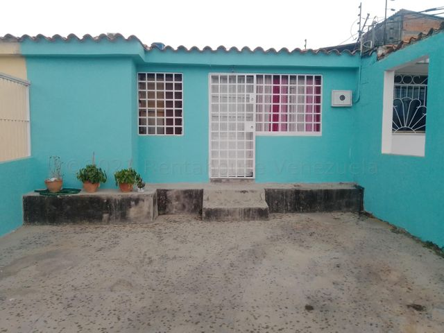 Casa Lara>Cabudare>La Puerta - Venta:7.000 Precio Referencial - codigo: 21-17307