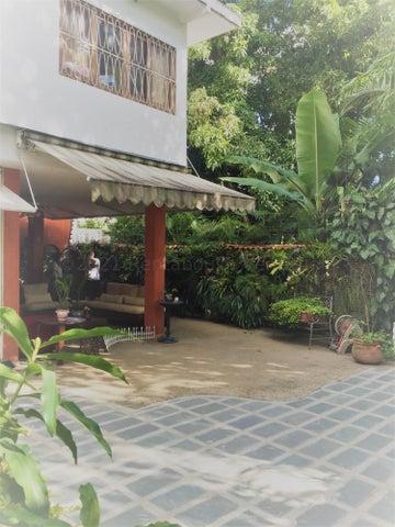 Casa Distrito Metropolitano>Caracas>Altamira - Venta:380.000 Precio Referencial - codigo: 21-8382