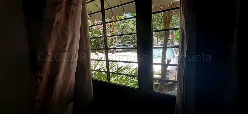 Apartamento Miranda>Guarenas>Ciudad Casarapa - Venta:20.000 Precio Referencial - codigo: 21-17676
