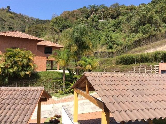 Casa Distrito Metropolitano>Caracas>Oripoto - Venta:260.000 Precio Referencial - codigo: 21-17718