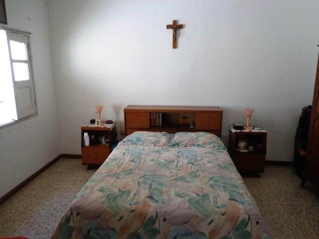 Casa Distrito Metropolitano>Caracas>San Bernardino - Venta:135.000 Precio Referencial - codigo: 21-17721