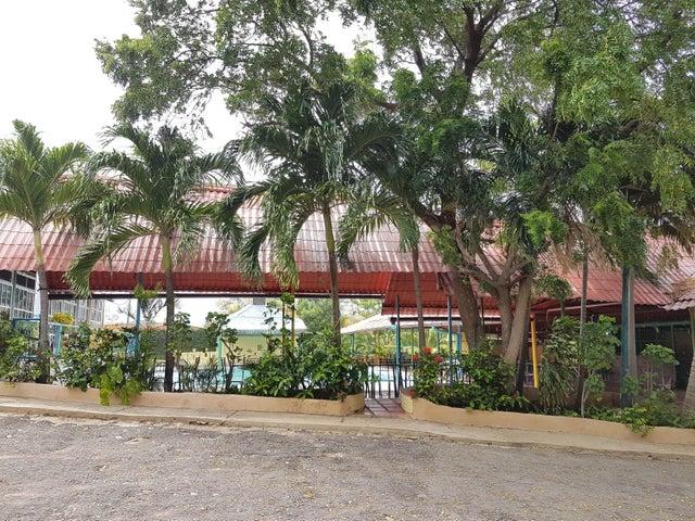 Club Campestre Falcon>Sierra de Falcon>Coro-Churuguara - Venta:115.000 Precio Referencial - codigo: 21-17770