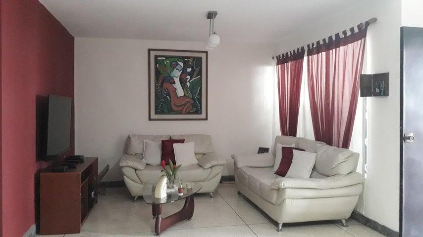 Casa Distrito Metropolitano>Caracas>La California Sur - Venta:90.000 Precio Referencial - codigo: 21-17874