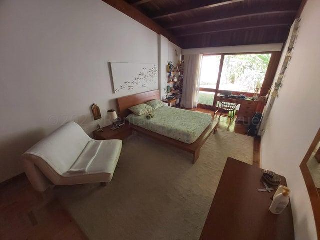 Casa Distrito Metropolitano>Caracas>Colinas del Tamanaco - Venta:540.000 Precio Referencial - codigo: 21-17890