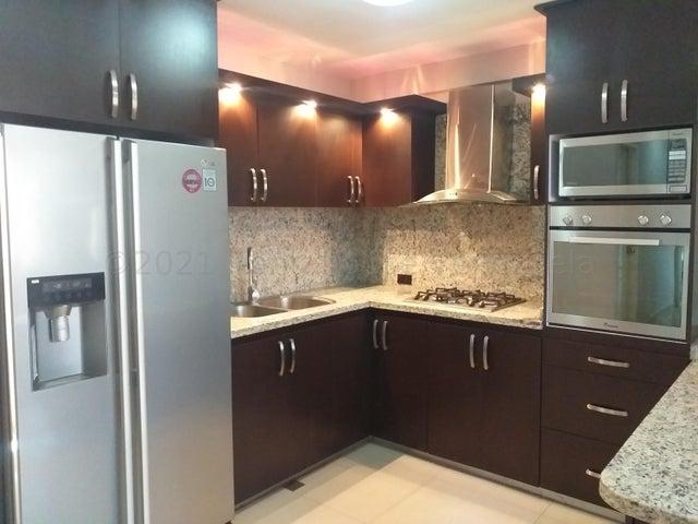 Apartamento Falcon>Coro>Sector La Floresta - Venta:32.500 Precio Referencial - codigo: 21-17965