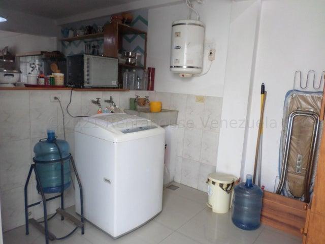 Casa Lara>Cabudare>Centro - Venta:26.000 Precio Referencial - codigo: 21-18155