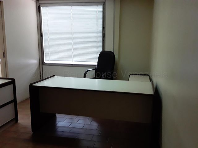 Oficina Distrito Metropolitano>Caracas>Centro - Venta:28.000 Precio Referencial - codigo: 21-17998