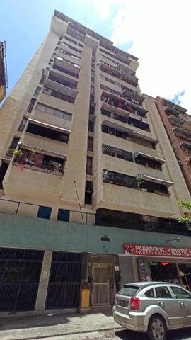Apartamento Distrito Metropolitano>Caracas>Parroquia Santa Rosalia - Venta:25.000 Precio Referencial - codigo: 21-18196