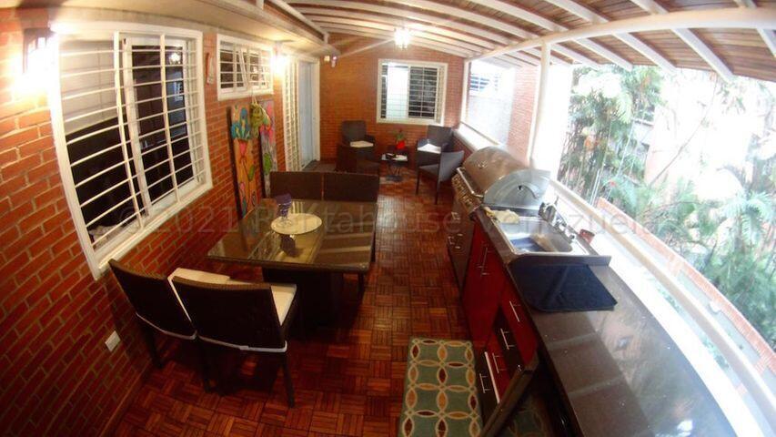 Apartamento Distrito Metropolitano>Caracas>Campo Alegre - Venta:330.000 Precio Referencial - codigo: 21-18056