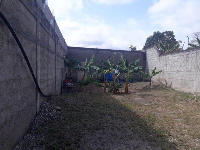 Casa Yaracuy>San Felipe>San Antonio - Alquiler:150 Precio Referencial - codigo: 21-18076