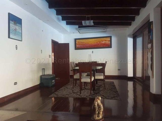 Casa Distrito Metropolitano>Caracas>Prados del Este - Venta:650.000 Precio Referencial - codigo: 21-18123