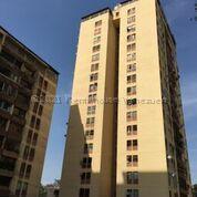 Apartamento Distrito Metropolitano>Caracas>Municipio Baruta - Alquiler:390 Precio Referencial - codigo: 21-18144