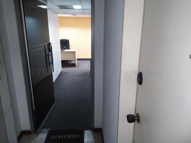 Oficina Distrito Metropolitano>Caracas>Los Ruices - Alquiler:400 Precio Referencial - codigo: 21-18216