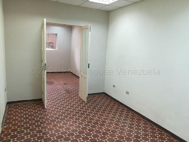 Casa Distrito Metropolitano>Caracas>Los Cedros - Venta:280.000 Precio Referencial - codigo: 21-18228