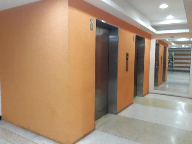 Apartamento Distrito Metropolitano>Caracas>Parroquia La Candelaria - Venta:110.000 Precio Referencial - codigo: 21-18487