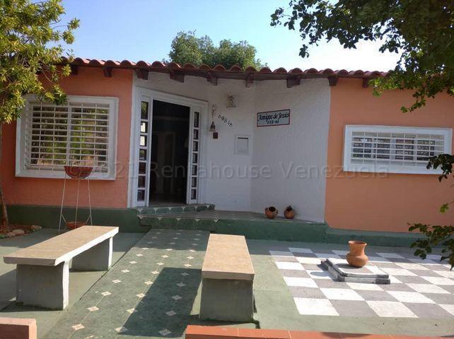 Townhouse Zulia>Maracaibo>Santa Fe - Alquiler:190 Precio Referencial - codigo: 21-18539