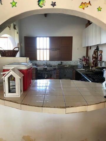 Casa Falcon>Buchuaco>Buchuaco - Venta:4.000 Precio Referencial - codigo: 21-2172