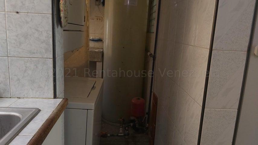 Apartamento Lara>Cabudare>La Mora - Venta:13.500 Precio Referencial - codigo: 21-19025