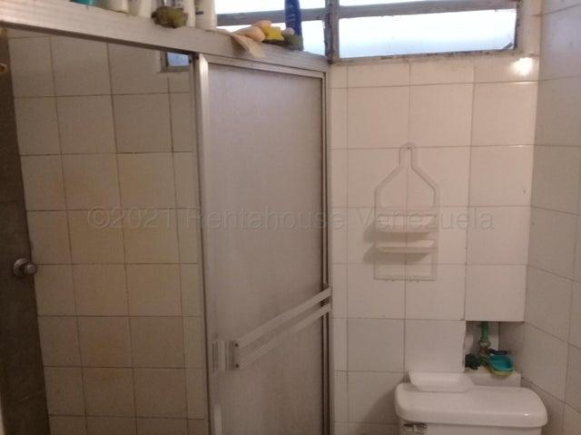 Local Comercial Distrito Metropolitano>Caracas>La Carlota - Venta:380.000 Precio Referencial - codigo: 21-18624