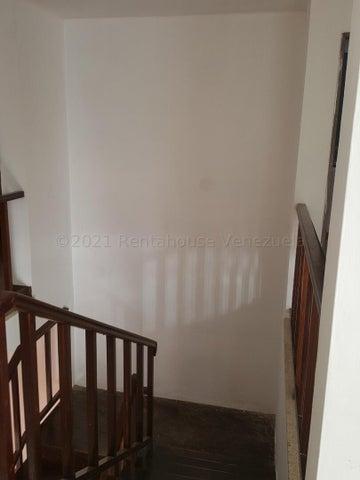 Casa Distrito Metropolitano>Caracas>El Cafetal - Venta:169.500 Precio Referencial - codigo: 21-18650