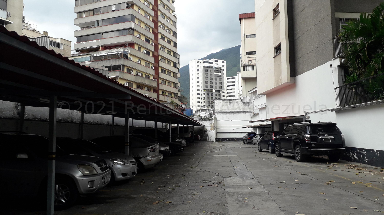 Apartamento Distrito Metropolitano>Caracas>Los Palos Grandes - Venta:170.000 Precio Referencial - codigo: 21-18674