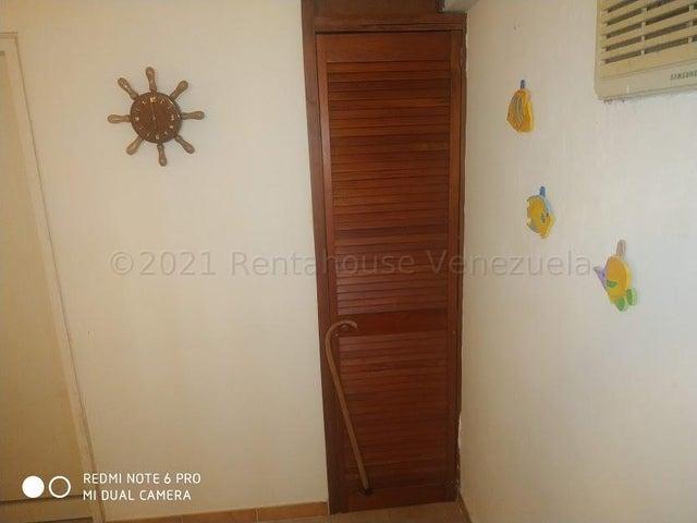 Apartamento Miranda>Rio Chico>Los Canales de Rio Chico - Venta:12.000 Precio Referencial - codigo: 21-18741