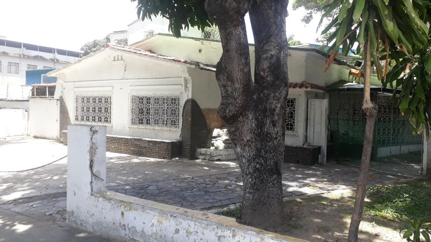 Terreno Distrito Metropolitano>Caracas>La Castellana - Venta:2.300.000 Precio Referencial - codigo: 21-18900