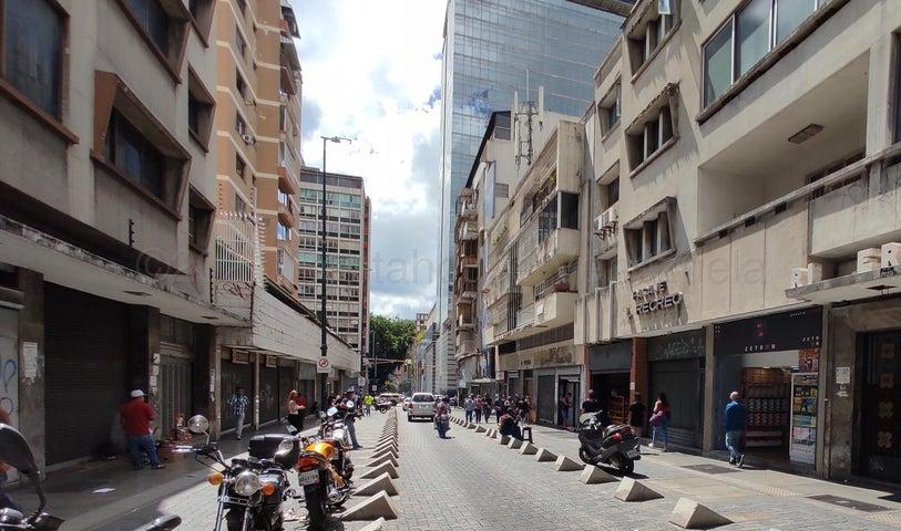 Apartamento Distrito Metropolitano>Caracas>Sabana Grande - Venta:40.000 Precio Referencial - codigo: 21-18968