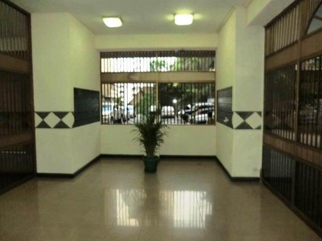 Apartamento Distrito Metropolitano>Caracas>El Paraiso - Venta:45.000 Precio Referencial - codigo: 21-18976