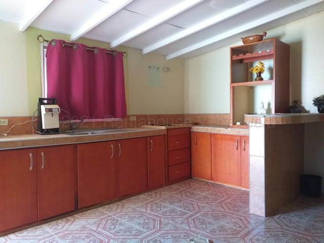 Casa Falcon>Punto Fijo>Los Caciques - Venta:25.000 Precio Referencial - codigo: 21-10905