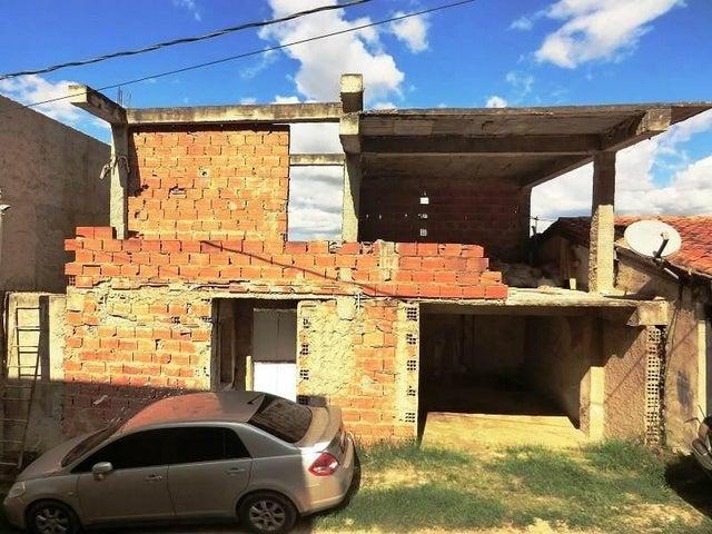 Casa Distrito Metropolitano>Caracas>Oripoto - Venta:40.000 Precio Referencial - codigo: 21-19054