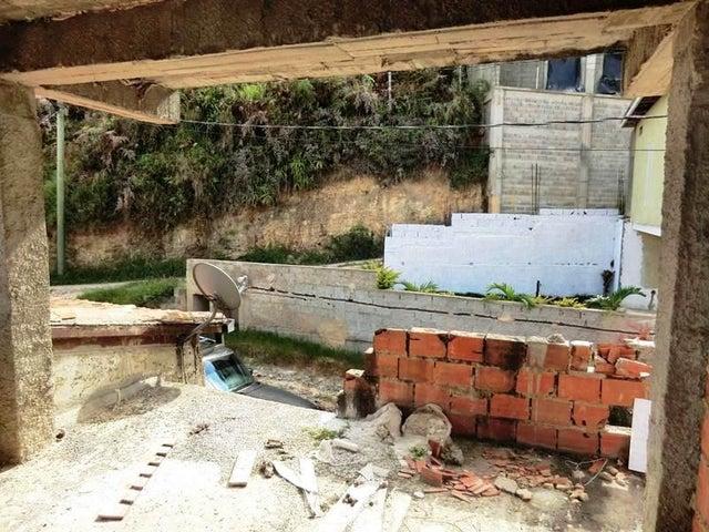 Terreno Distrito Metropolitano>Caracas>Oripoto - Venta:40.000 Precio Referencial - codigo: 21-19056