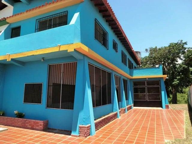 Casa Miranda>Rio Chico>Los Canales de Rio Chico - Venta:6.000 Precio Referencial - codigo: 21-19057
