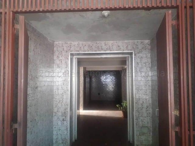 Apartamento Falcon>Coro>Sector San Bosco - Venta:10.000 Precio Referencial - codigo: 21-19069