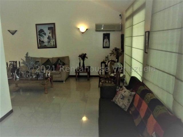 Casa Carabobo>Municipio Naguanagua>La Granja - Venta:160.000 Precio Referencial - codigo: 21-19628