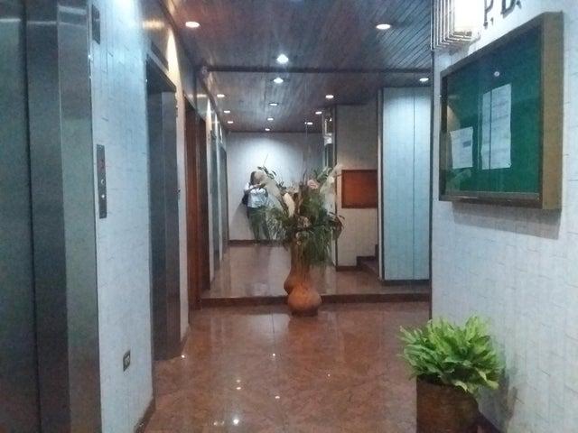 Oficina Distrito Metropolitano>Caracas>El Marques - Venta:70.000 Precio Referencial - codigo: 21-19121