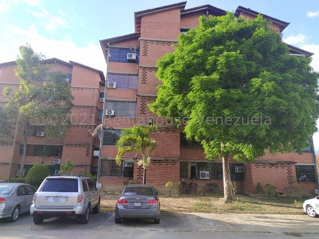 Apartamento Miranda>Guarenas>Nueva Casarapa - Venta:15.000 Precio Referencial - codigo: 21-19240